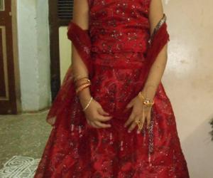 Best dressed girl in Navarathri Lehenga/Gaghra choli, or, Pattu pavadai.