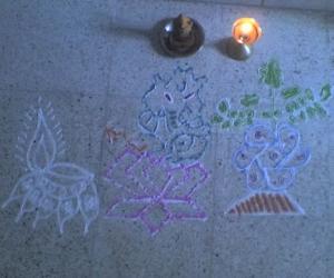 Rangoli: Freehand Tulsi Ganesh Kolam