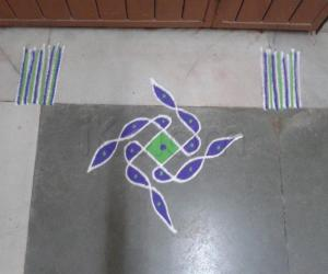 Rangoli: Simple colourful Rangoli