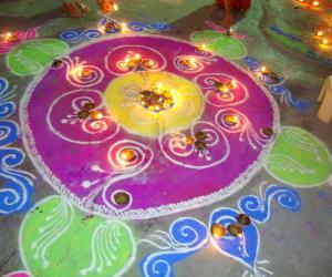Rangoli: rangoli with diyas