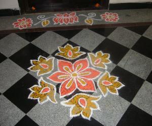 Rangoli: Small rangoli for flats
