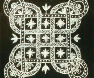 Rangoli: Interlaced kolam