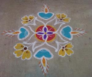 Rangoli: Diyas and flowers