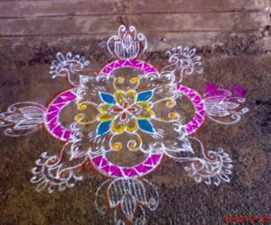 Rangoli: A simple rangoli for beginners