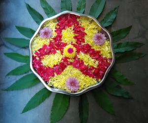 Rangoli: Flowers arrangement