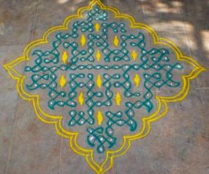 Rangoli: Rajamma aunty's puzzle-chikku kolam