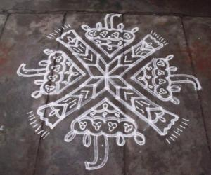Rangoli: umbrella kolam