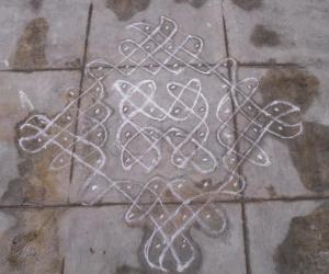 Rangoli: simple sikku kolam