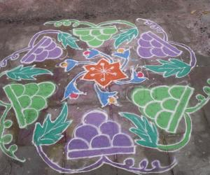 Rangoli: Grapes