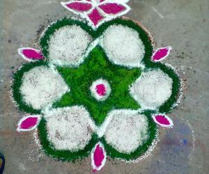 Crystal salt kolam