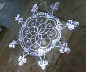 Rangoli: a simple rangoli design