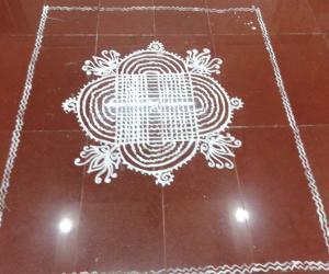 Rangoli: maa kolam in common bajan hall