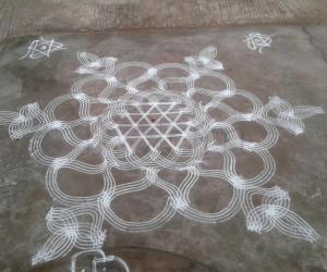 Rangoli: Double stroked rangoli
