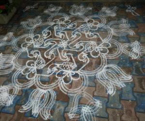 Rangoli: Aadi Perukku -Fusion kolam