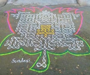 Rangoli: aadi velli 1-lotus-chikku-kolam