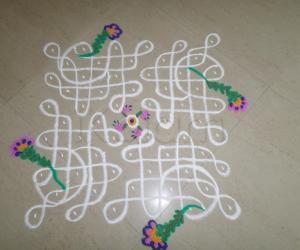 Rangoli: Chikku Bouquet