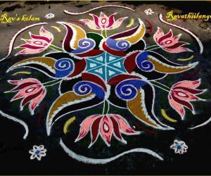 Rangoli: Rev's sangu lotus kolam for friday.