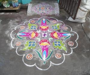 Datura Metal in colour with leaf. Markazhi Kolam.