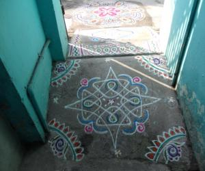 A small entrance kolam.