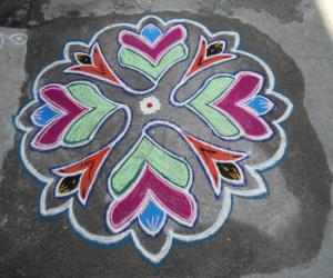 An easy colour kolam.