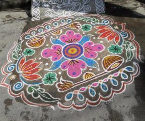 Rangoli: Rev's Sarasvathi pooja kolam.
