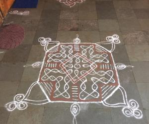 Neighbourhood kolam