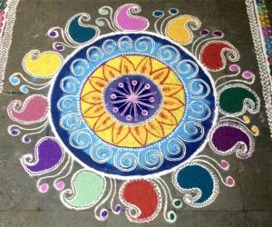 Rangoli: Diwali kolam---Mango design