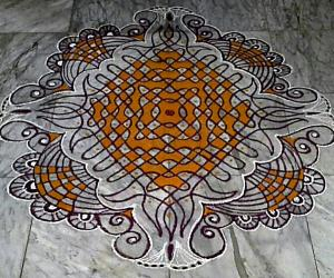 Chikku kolam with 17-1 straight dots