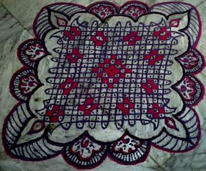 Rangoli: Chikku kolam with 21-1 straight dots from my margazhi collections