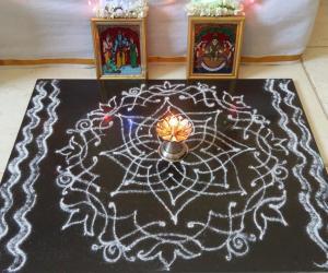 Navarathiri Day 3 Hridaya Kamalam in White Rangoli Powder.