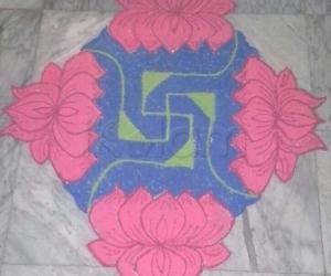 Rangoli: Lotus Rangoli with 15-1 straight dots