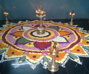 Poo kolam in Nanganallur  Guruvayoorappan koil for Onam 2