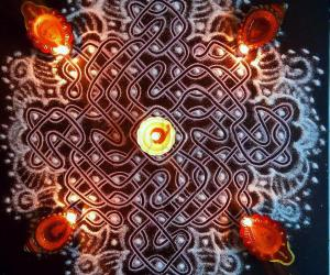 Spot designed Chikku Kolam with 9-9 straight dots  3 dots 2 lines in the middle on all sides