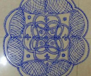 Rangoli: NAVARATHIRI  Day 5 Padi Kolam design in Royal Blue