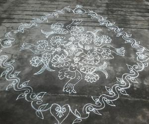 Rangoli: Birdsand fishes kolam,14-2straight dotted kolam