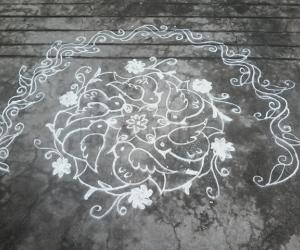 9 to5 dotted birds kolam
