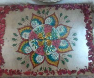 Rangoli: glass paint rangoli
