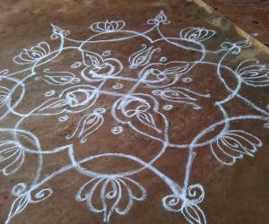 Freehand Lotus Rangoli