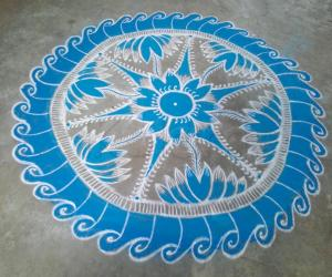 Rangoli: Navarathri day 10 Sky blue! Happy Ayudha pooja friends!!
