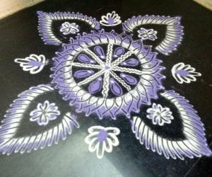 Rangoli: Navarathri day 9 purple!!