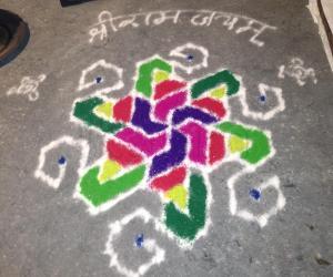 Rose Design Pulli Kolam