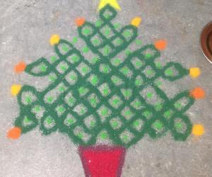 Christmas Tree Sikku Kolam