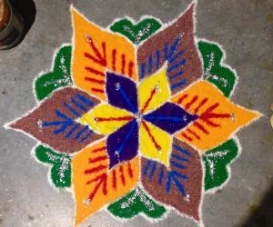 Flower Design Pulli Kolam