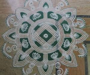 Rangoli: Navarathri Day 4 2015