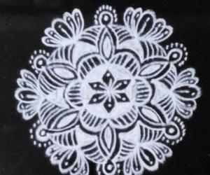 Rangoli: Small Free hand design