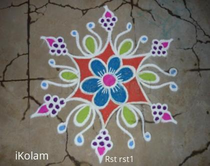 Rangoli: Grapes kolam