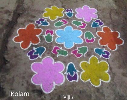 Rangoli: flower with bud kolam