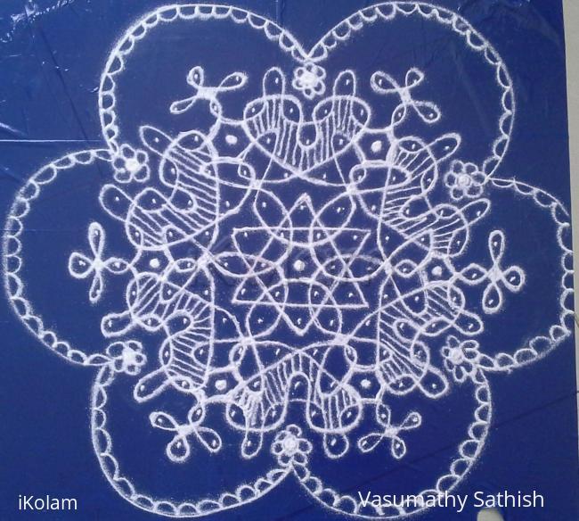 Rangoli: chikku kolam dots with 13-7 interlaced dots