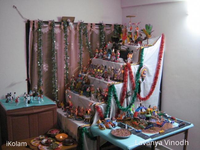 Rangoli: Navarathri Gollu-2010