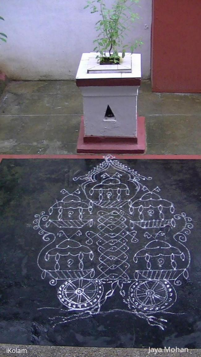 Rangoli: Small rathas inside big ratha!